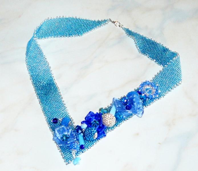 Šitý náhrdelník z korálků Mořská víla