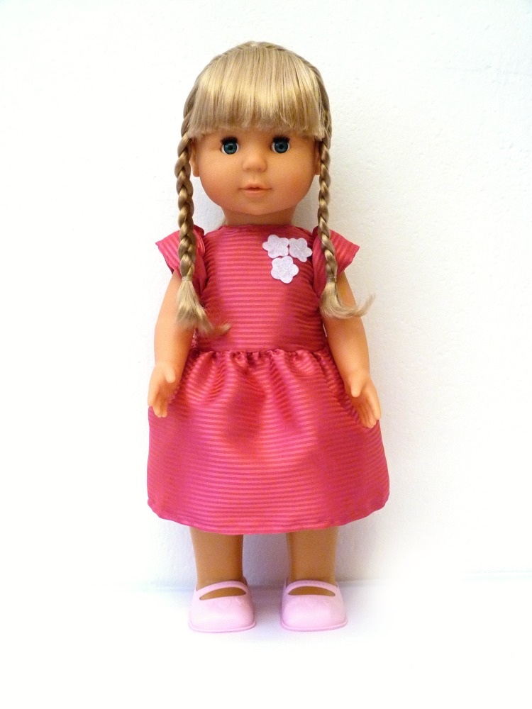 Made panenka Adélka chodící a zpívající 8 písniček, 43 cm